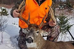 north-maine-deer-hunting-Ted2019Buck2_800px